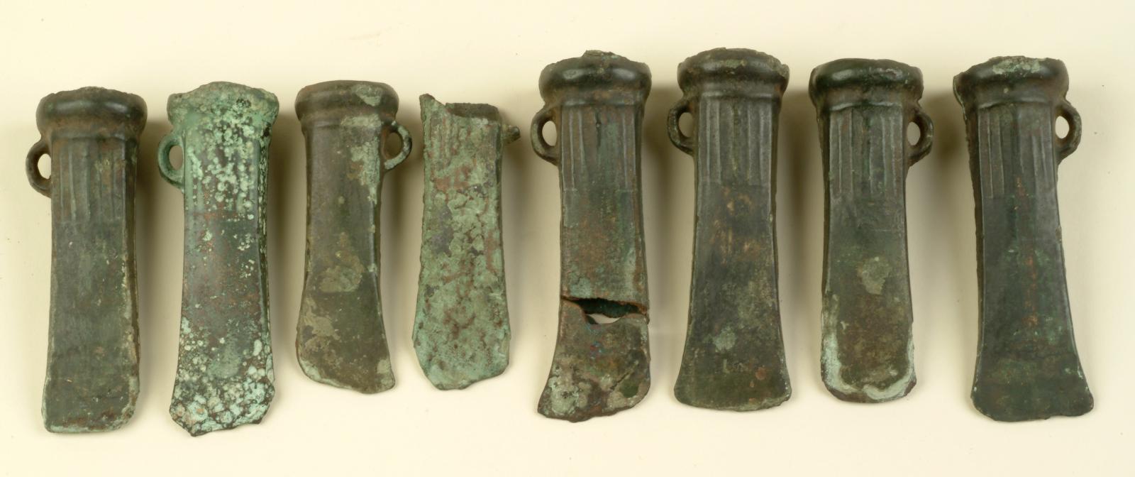 Bronzen bijlen gevonden in Hoogstraten