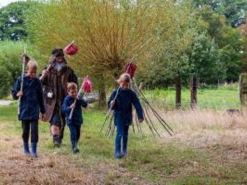 Wilde Buitendagen: Op pad met Zjefke De Zwerver (De Klapekster) © Ton Marisael