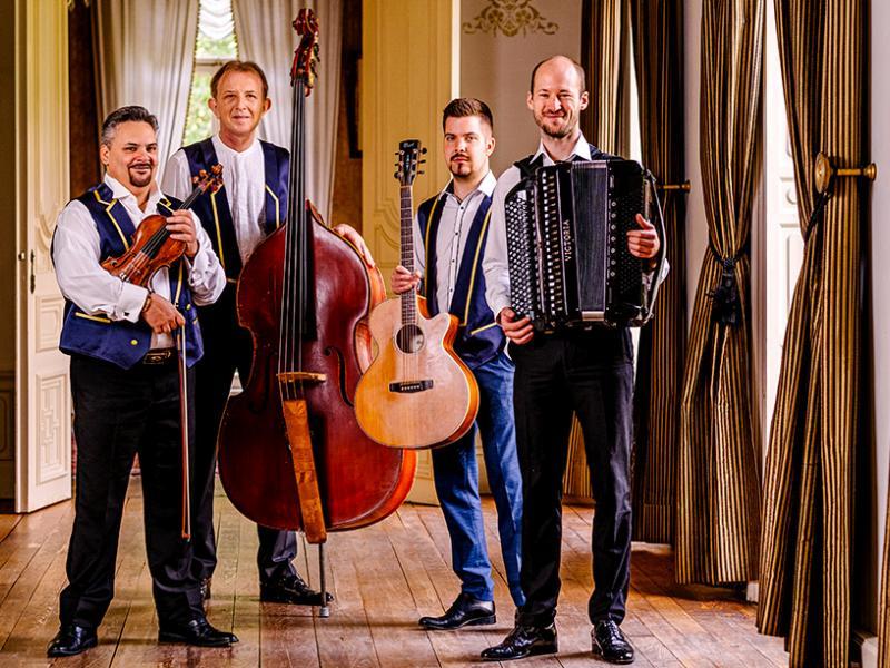 Kalinka Ensemble © Kalinka Ensemble