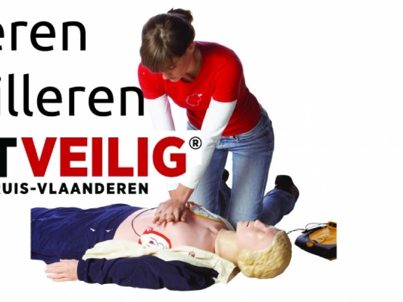 reanimeren en defibrilleren © Rode Kruis Vlaanderen
