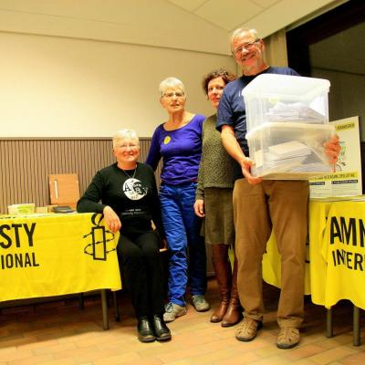Amnesty International houdt een schrijfmarathon